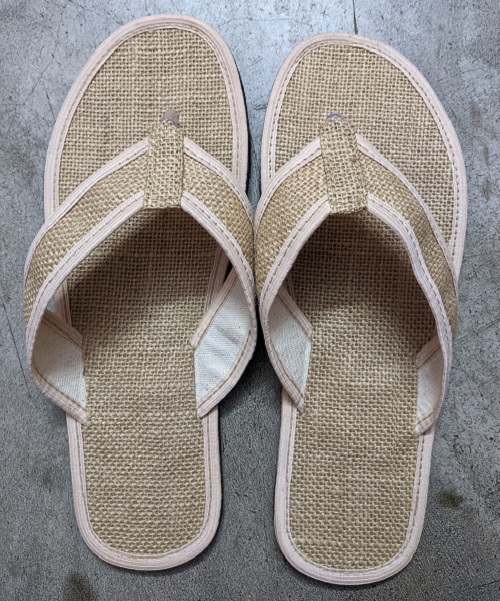 Natural jute slippers